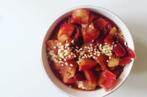 Porridge mit Apfel-Zimt-Kompott